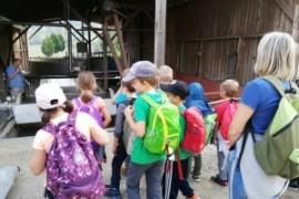 Wanderung der 2.b zum Bienenhaus